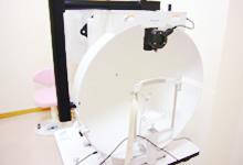 動的視野を測る機器
