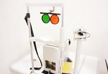 眼球の動きを測定する機器